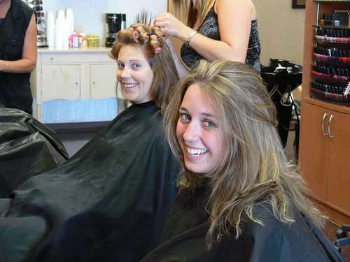 jenn and sarah getting some new do's